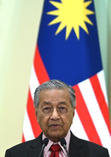 Dr Mahathir's Malaysia Concedes to Chinese Hegemony?