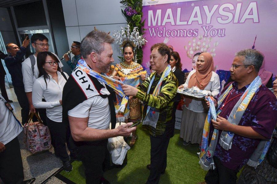吸引更多中印游客 商讨延长逗留期限