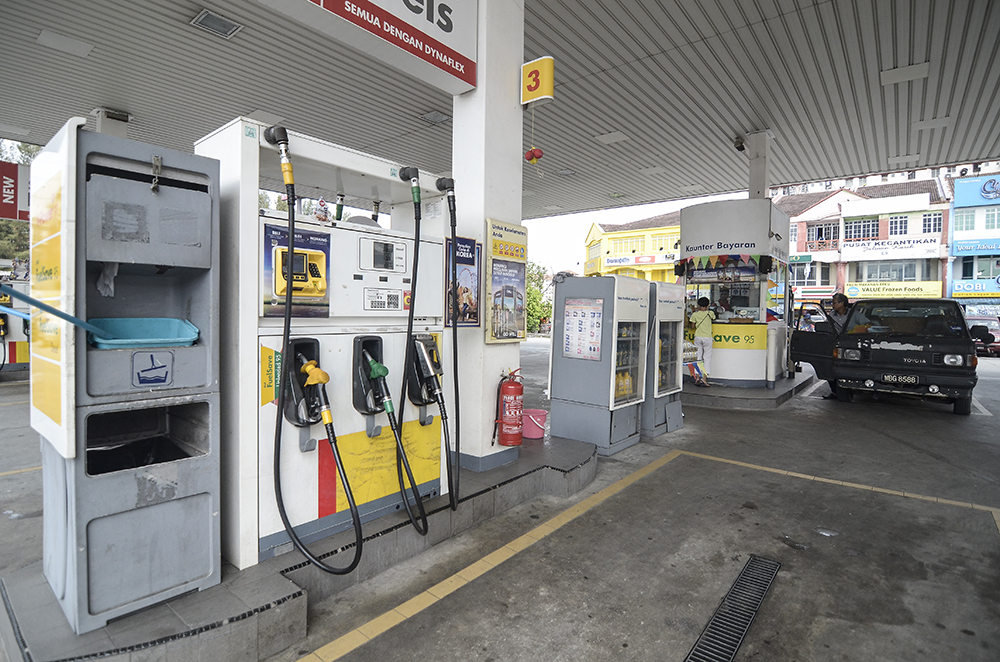 RON97 up 2 sen, RON95 and diesel prices unchanged for week of Dec 4
