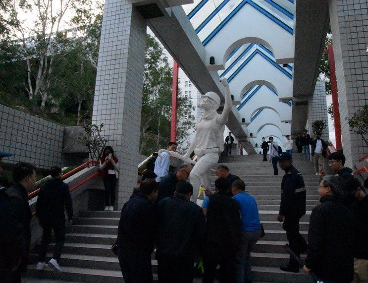 科大学生会校内展示民主女神像被搬走 引述校方称不合规矩