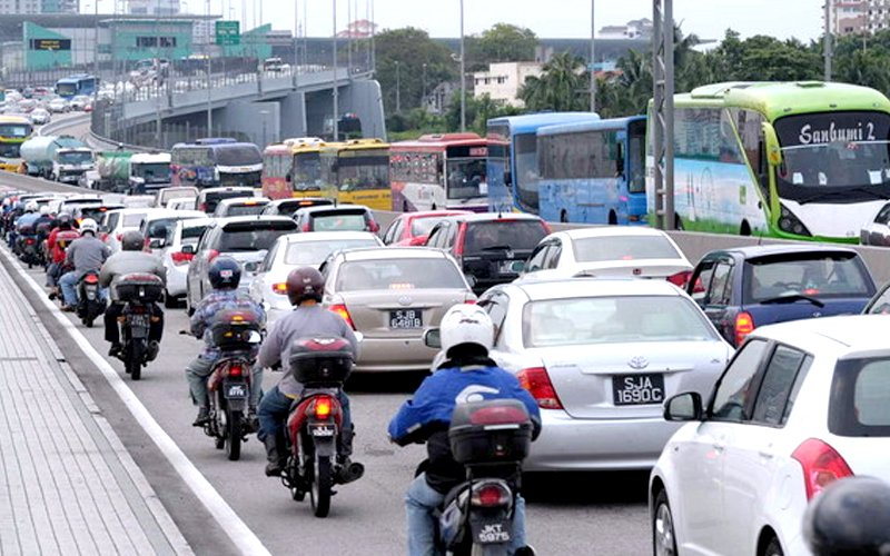 6 more months for vehicles from Singapore to be fitted with RFID