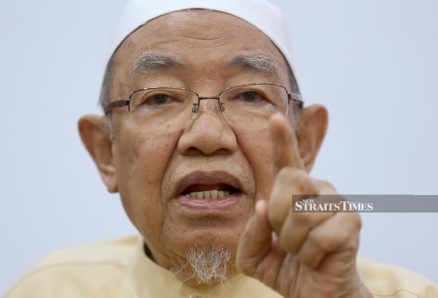 Perak mufti: Don't be influenced by anti-Jawi proponents
