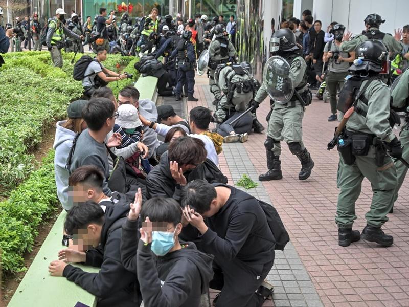 【上水游行】上水中心拘捕多人 警:是有人破坏社会安宁才执法