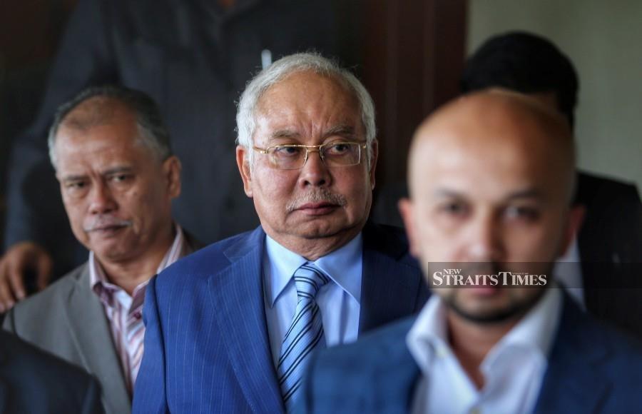 Najib escapes impeachment