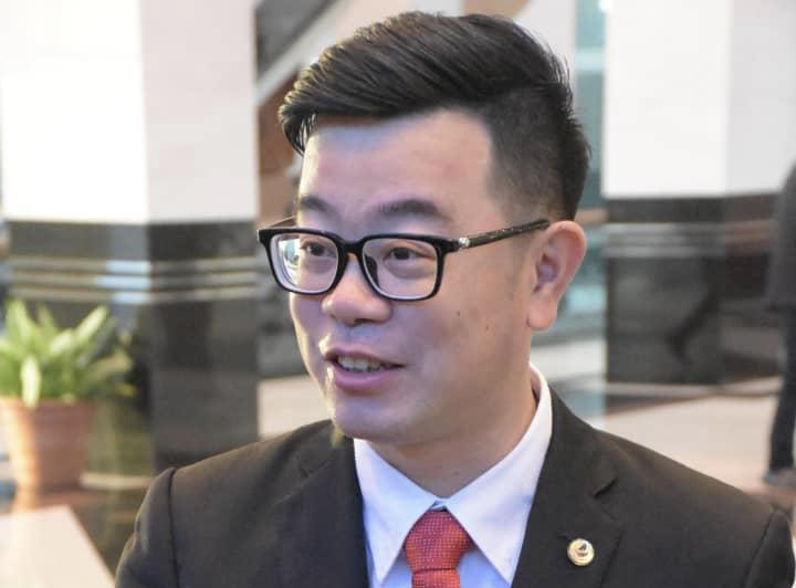 Junz: Why give BN second chance to surrender our resources?