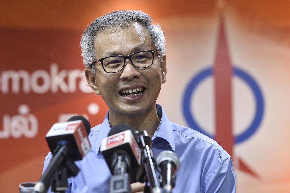 Proceedings in Tony Pua's suit against Najib suspended