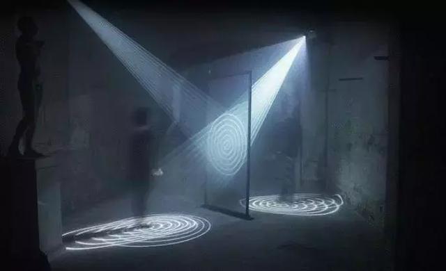 海市蜃楼或是平行宇宙的投射