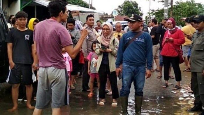 Ciledug district head apologizes for scolding volunteer during flood evacuations