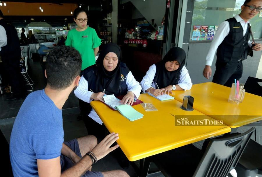 CAP recommends community service for errant smokers