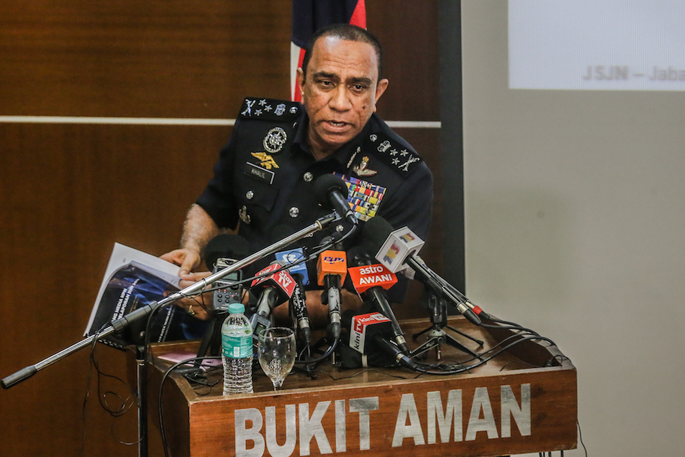 Police launch crackdown on drug abuse among Malaysian civil servants