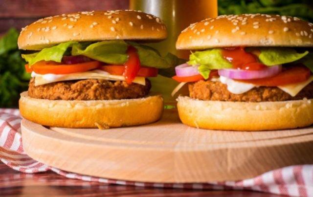 印度人不吃猪肉和牛肉,那么肯德基卖什么口味的汉堡?看完涨知识