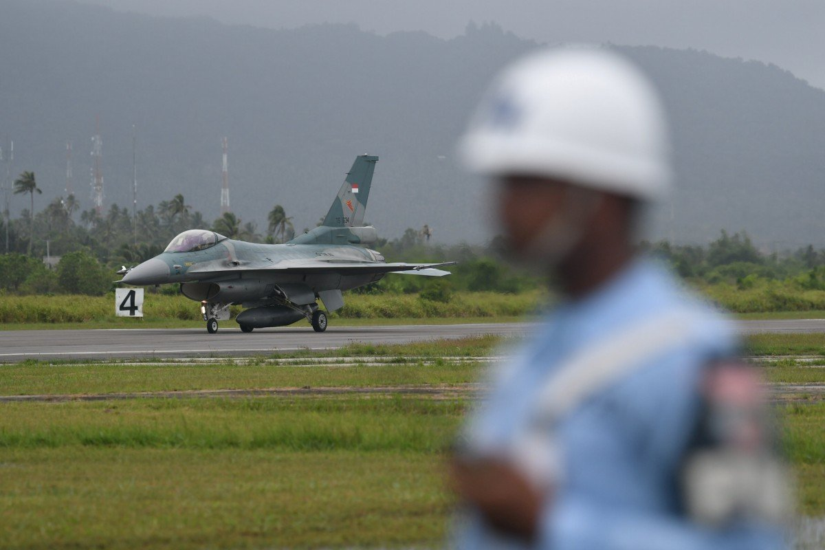 Indonesia deploys fighter jets, warships to patrol Natuna islands at centre of spat with Beijing