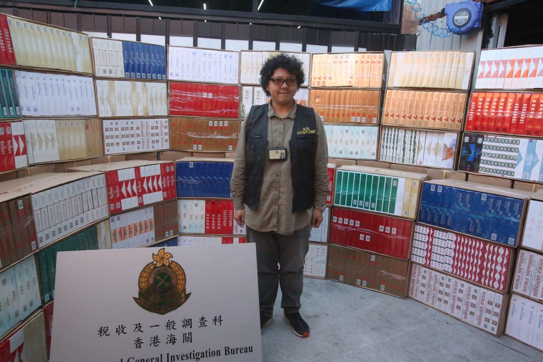 海关反私烟行动拘3男 捡1100万元私烟