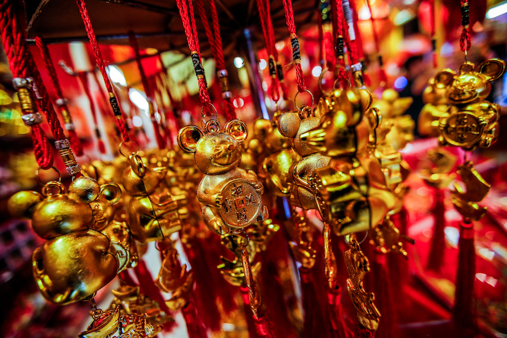 Shoppers flock to Petaling Street for CNY decorations