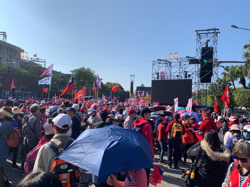韩国瑜选前台北造势晚会 支持者热情提前聚集
