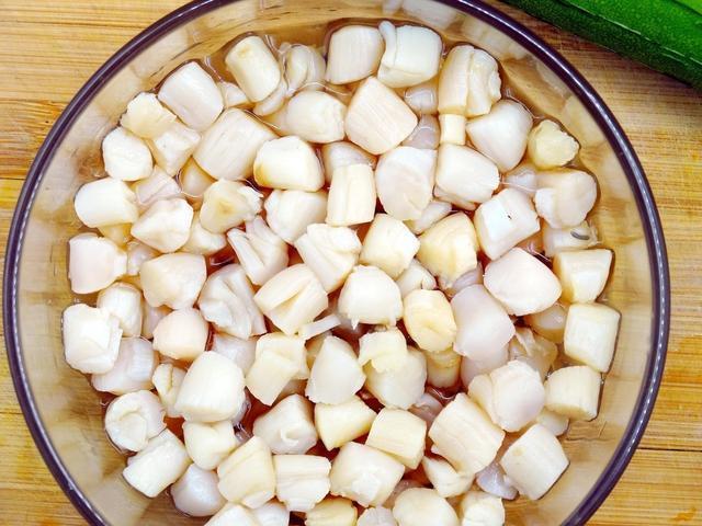 秋冬一碗干贝粥,美味健康身体好,不过尿酸高的朋友最好少吃!