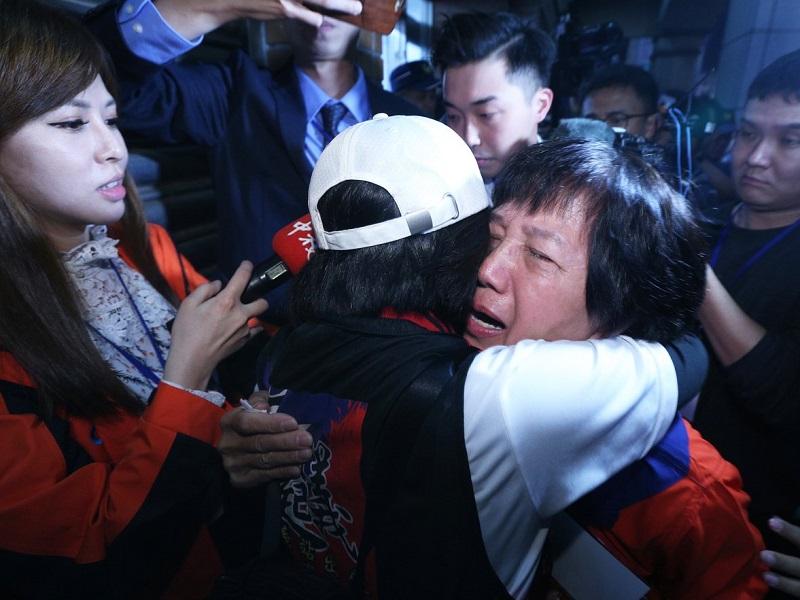 【台湾大选】蔡英文选票大幅领先 支持者提早庆祝连任