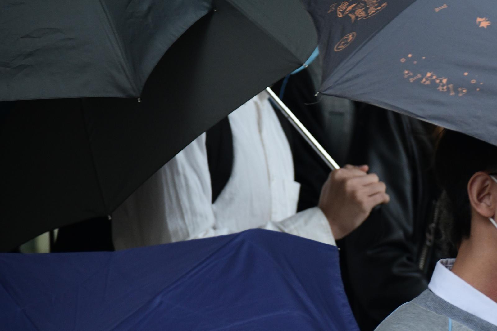 【修例风波】17岁男生涉管有镭射笔易燃液体 押3月待搜证