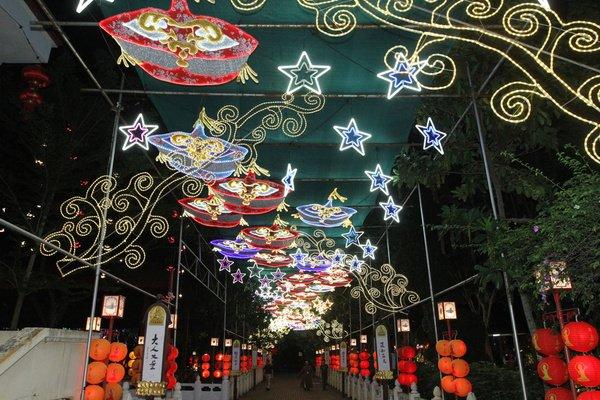大花鼠耸立主题灯区 东禅寺灯会23日起开放