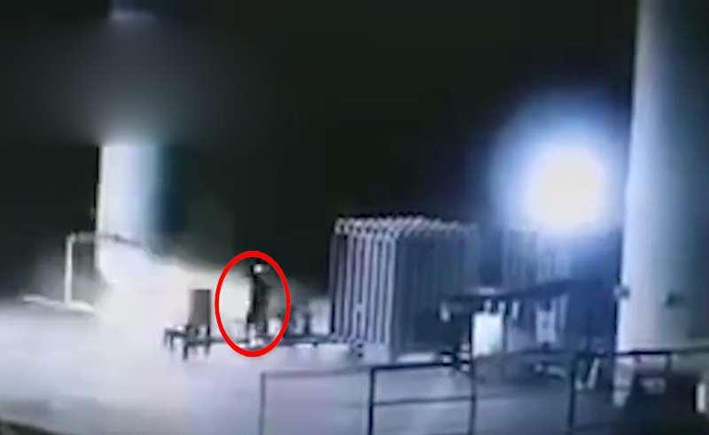 四川钢铁厂液氧泄漏 女工开闪光灯拍照引发爆炸身亡