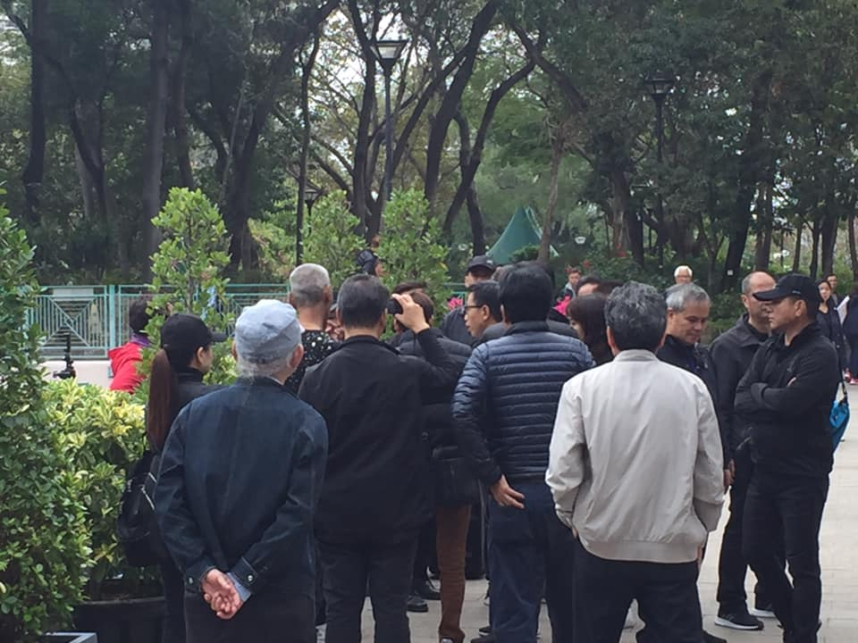 屯门公园举报热舞大妈酿冲突 3人被捕包括区议员助理