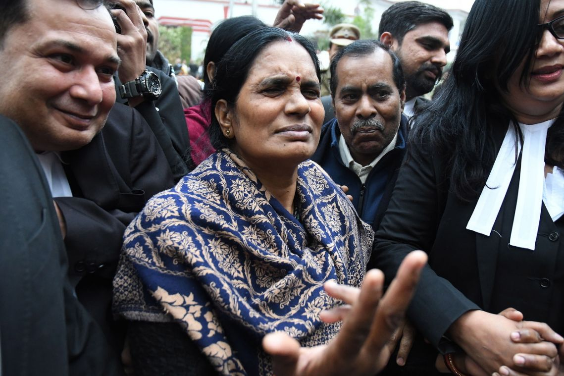 Top India court confirms 4 men to hang for bus rape and murder