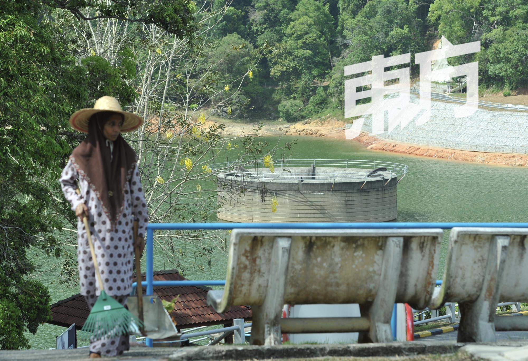 槟岛储水量创新低 供水机构促人民节省用水
