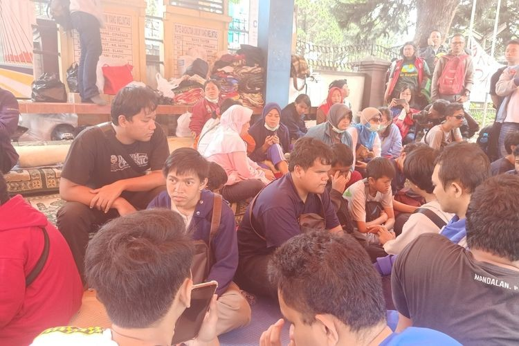 Visually impaired students left homeless after being evicted from Bandung rehabilitation center dormitories