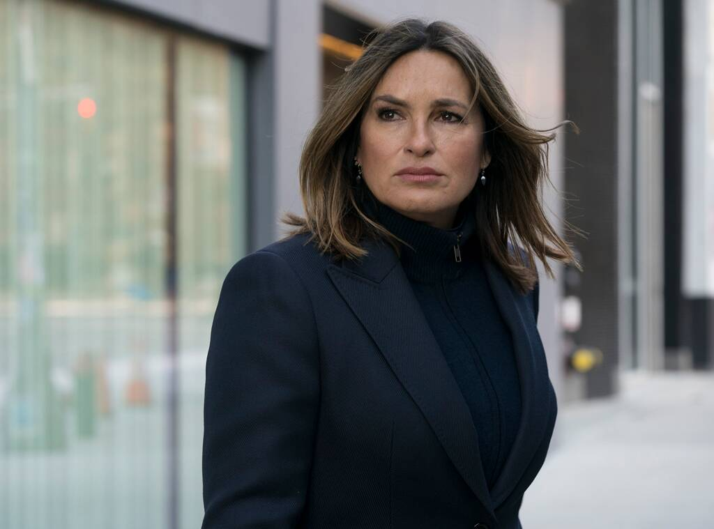 Mariska Hargitay Reveals the Challenges of Directing While Starring in Law and Order: SVU
