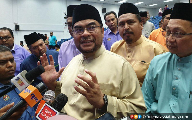 Mujahid calls for stern action over Ponggal 'haram' circular to schools