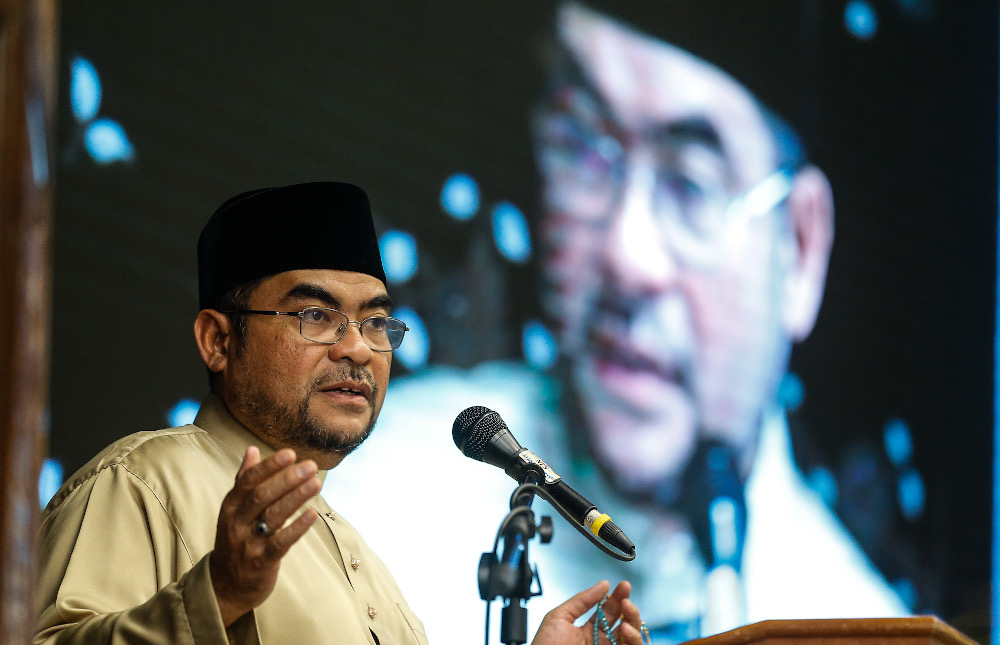 Mujahid: Person who distorted Ponggal circular must be punished, Jakim never said 'haram'