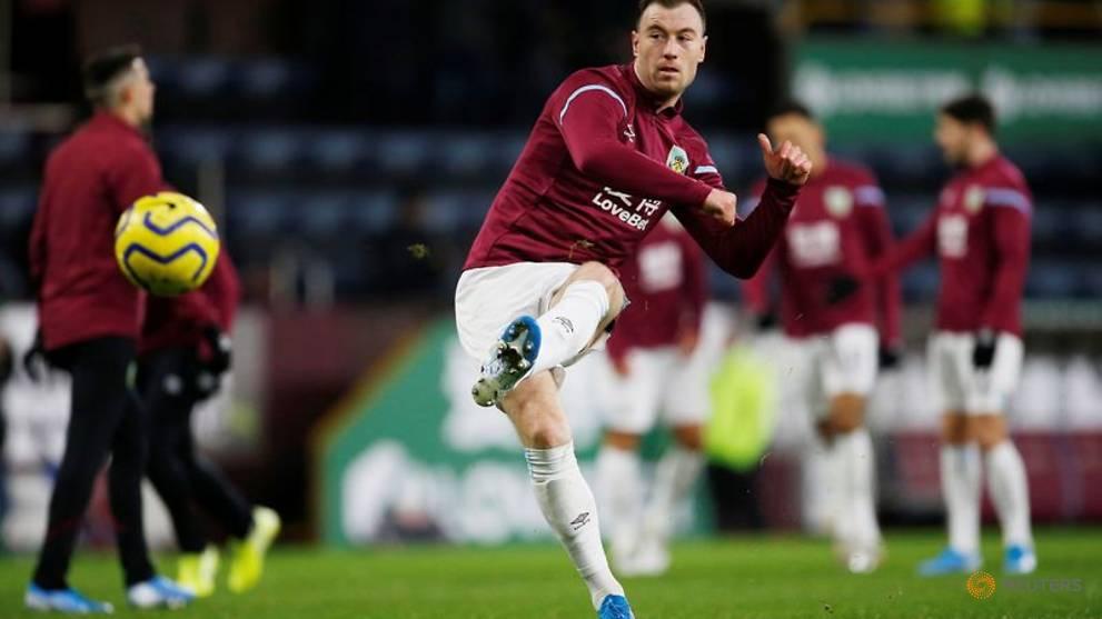 Burnley striker Barnes undergoes hernia surgery