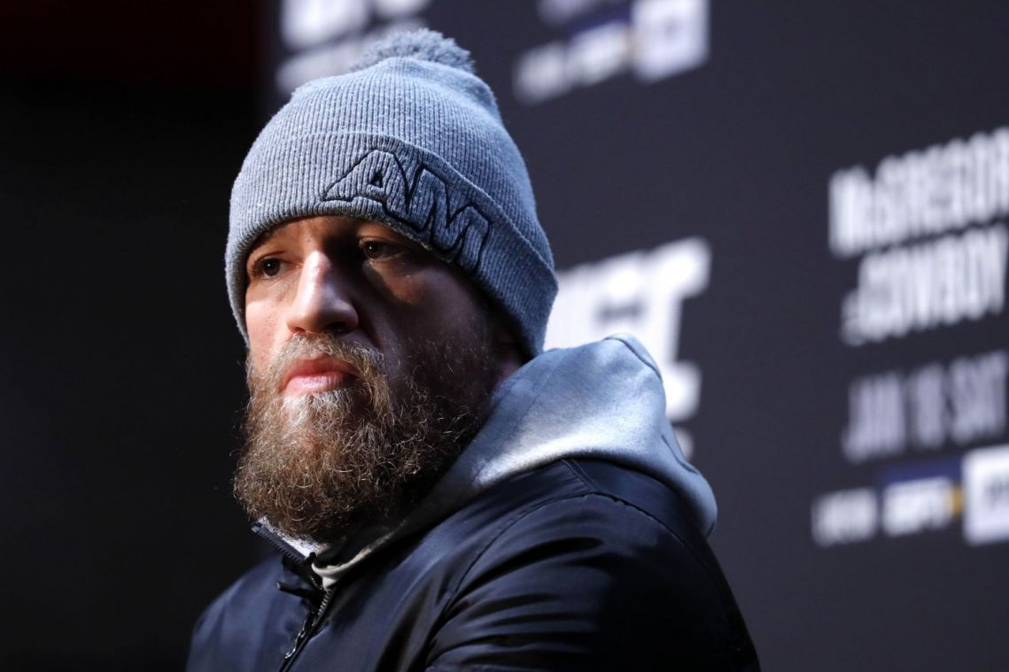 MMA: McGregor seeks to emerge from controversy in UFC comeback