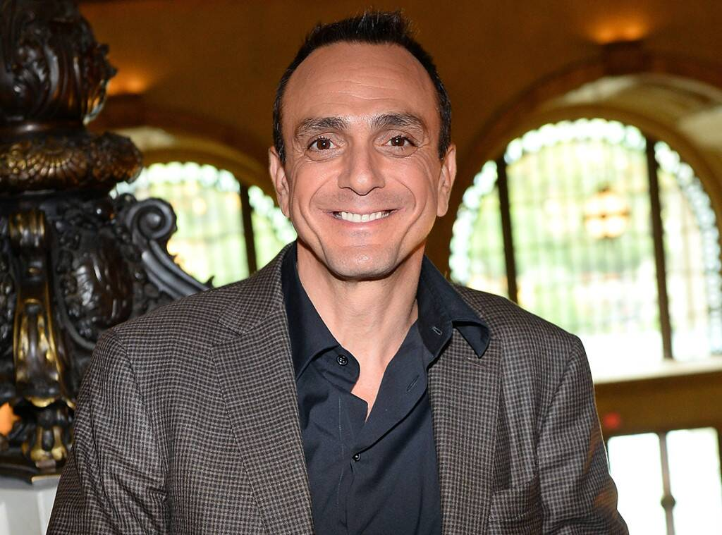 The Simpsons' Hank Azaria Says He'll No Longer Voice Apu After Controversy