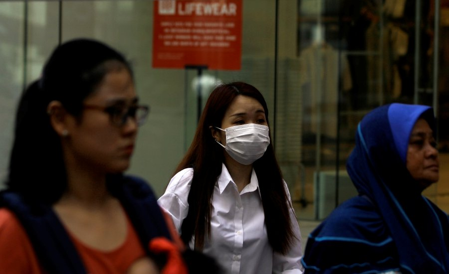 200,000 influenza vaccines available within the next two months
