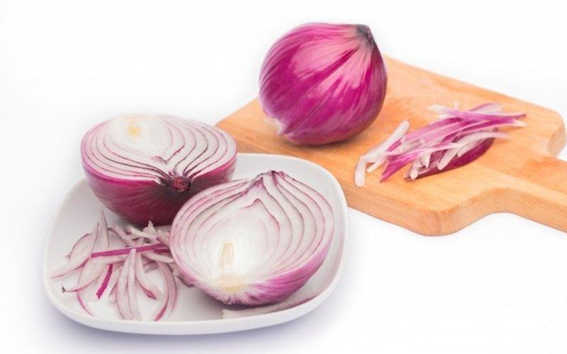 Onions to fight flu? Deputy minister scoffs but says it won't hurt