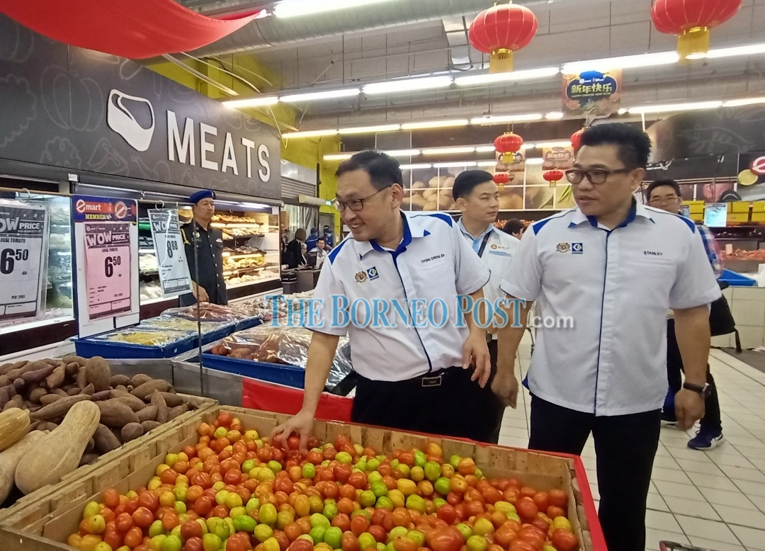 Chong reminds traders selling price control scheme items to display pink-coloured price tags