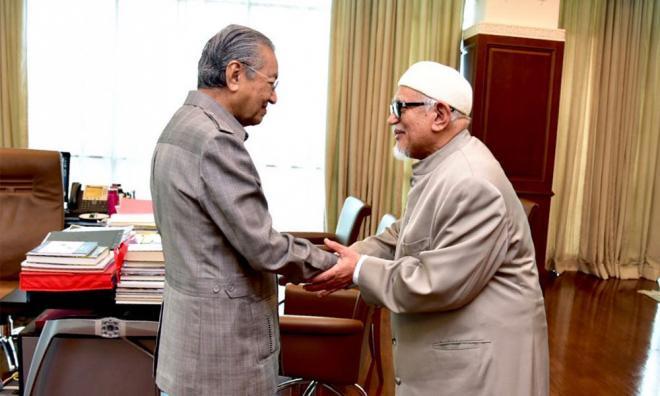 马哈迪笑看联伊报道,指政治没永远的敌人