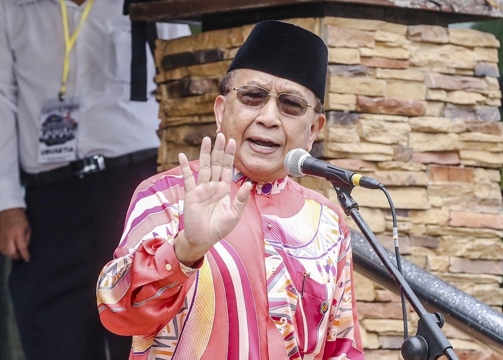 Rais Yatim: New China visa rules for Malaysians will open floodgates to 'hundreds of thousands'