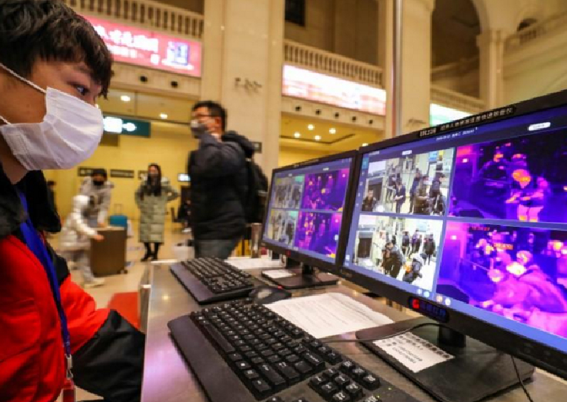 China locks down epicenter of virus outbreak; nearly 600 infected