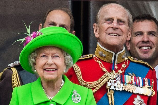 Queen to address nation on coronavirus in TV message on Sunday evening
