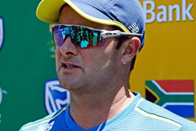 Proteas could avoid handshakes during India tour
