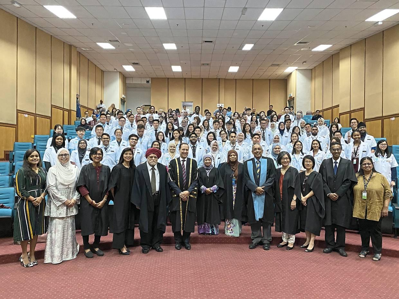 Aspiring doctors honoured at white coat ceremony