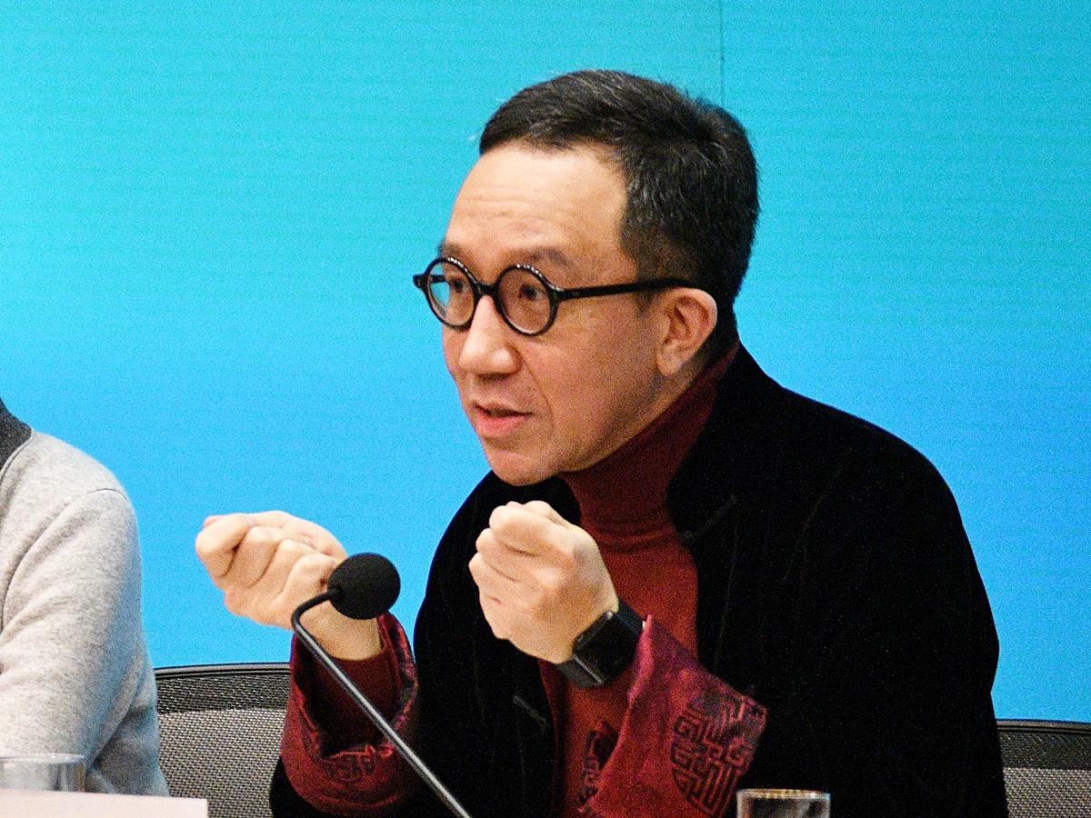 【新冠肺炎】梁卓伟就无戴口罩言论致歉 倡三招避免社区爆发