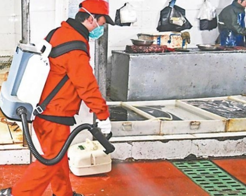 【新冠肺炎】武汉展开农贸花鸟市场全方位消毒