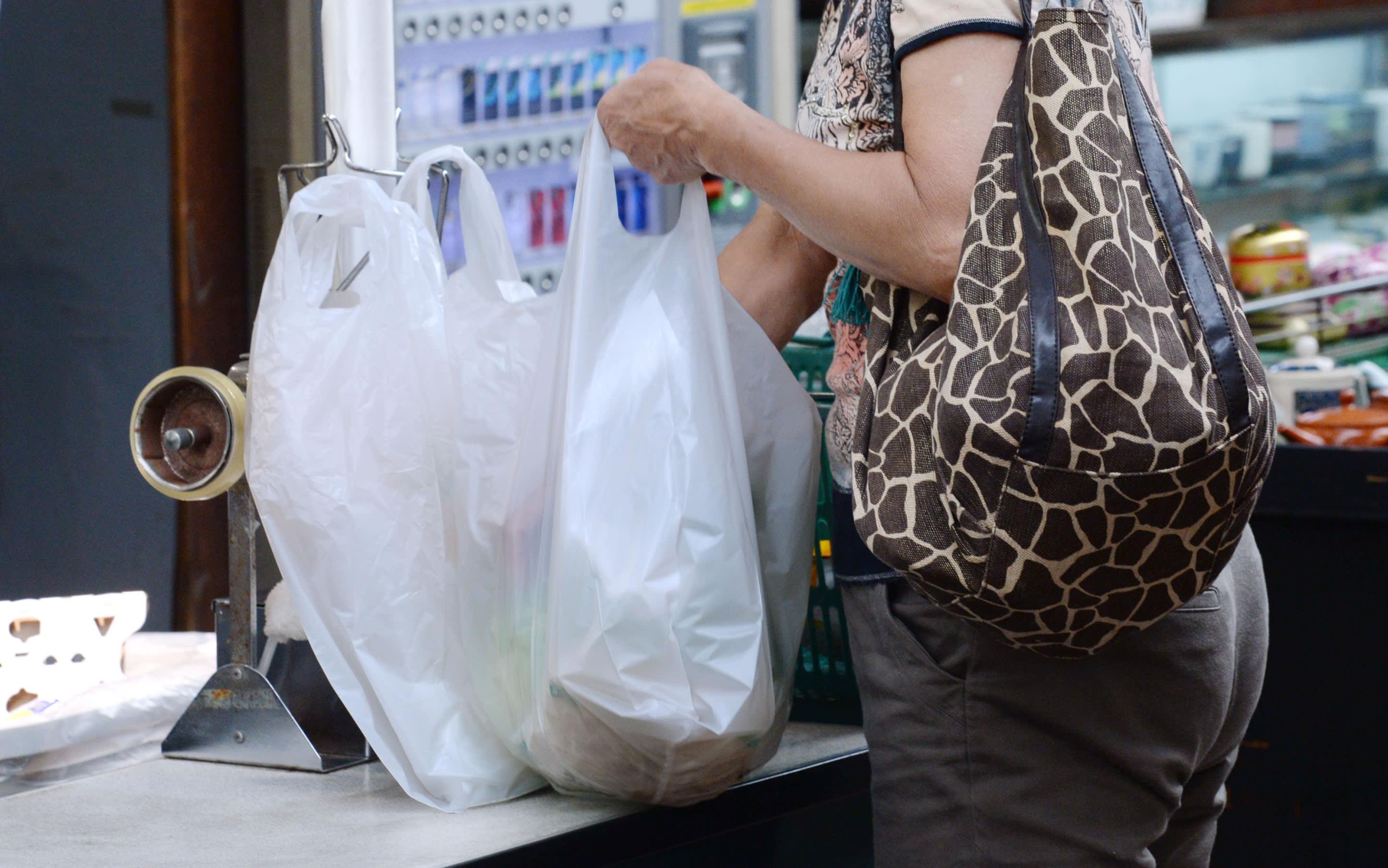 【创科生活】日企业研发海水可分解胶袋 半年变成水
