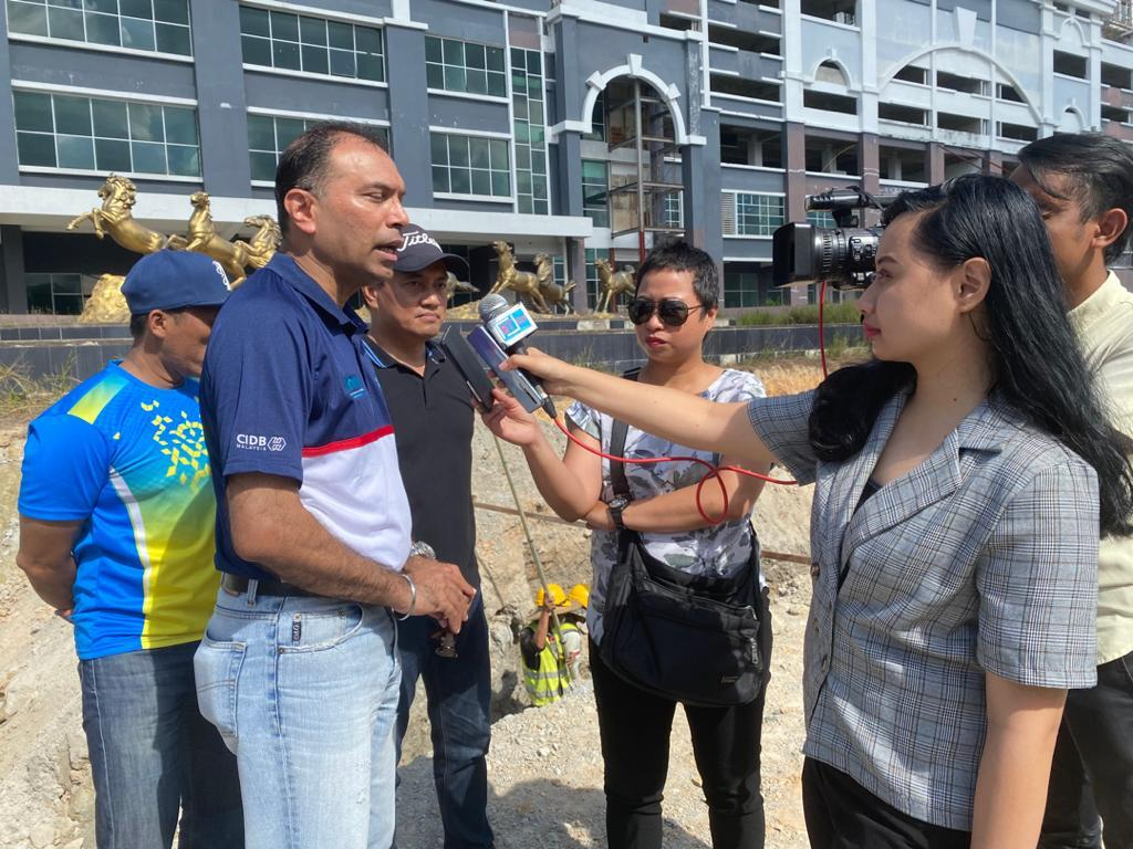 Report pipe leakage, don't hide it, contractors urged