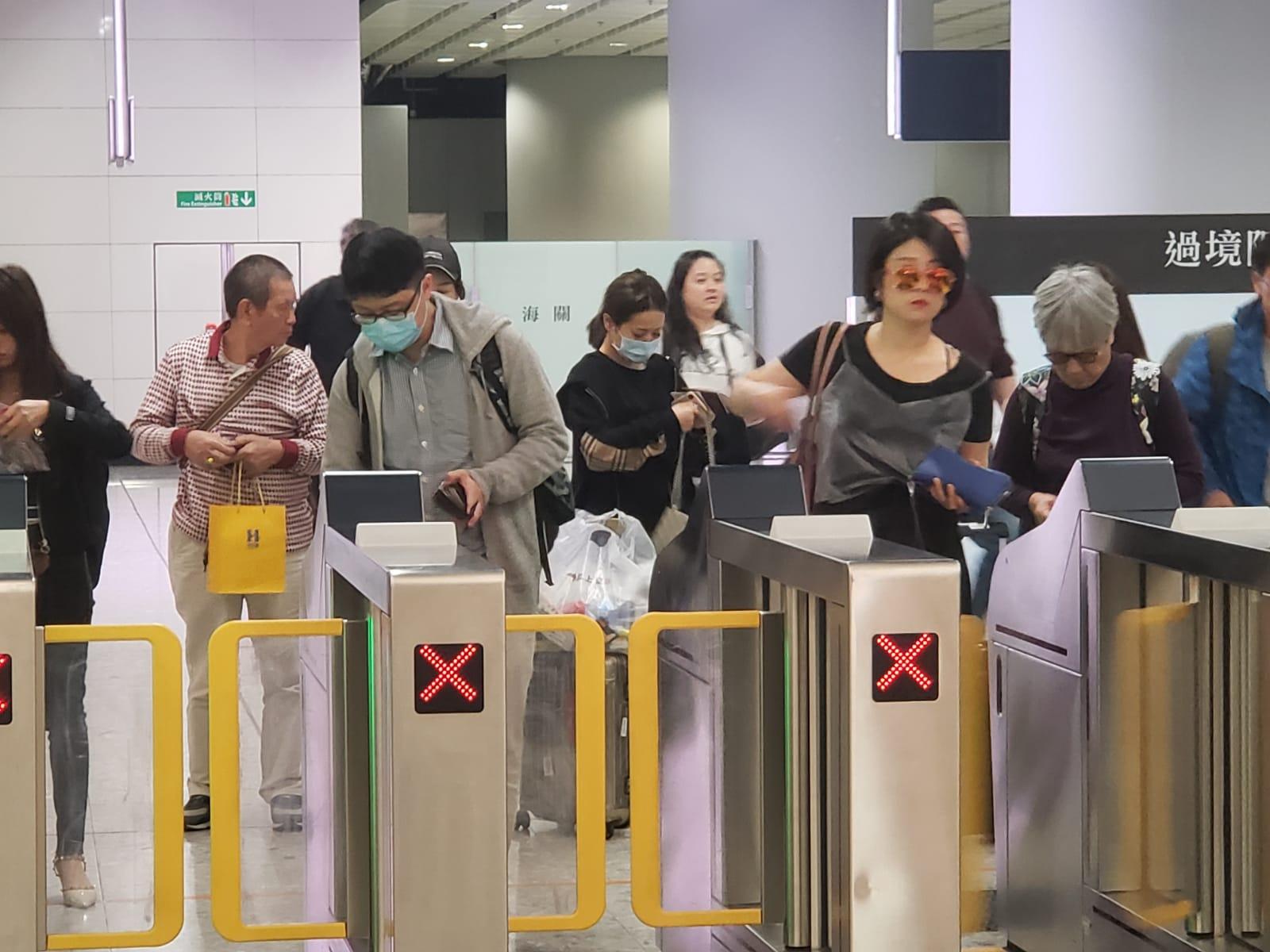 港铁公布今晚所有往广州南高铁车票售罄
