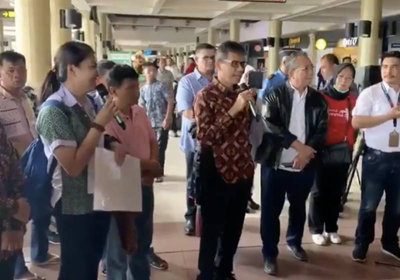 Indonesian governor slammed for welcoming Chinese tourists with fanfare, gifts amid coronavirus fears