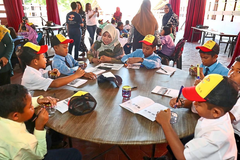 Excursion inspires schoolchildren to appreciate the arts